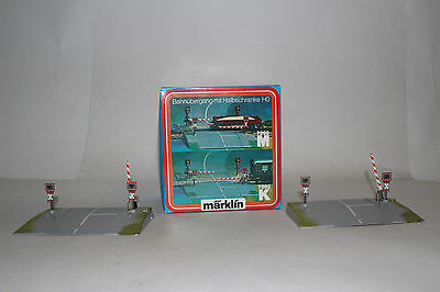 Marklin Ho Scale #7292M Twin Grade Crossing Gate Set, Excellent, Boxed, Lot B