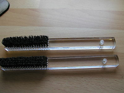 2 good qualiy 4 row bristle cleaning brushes