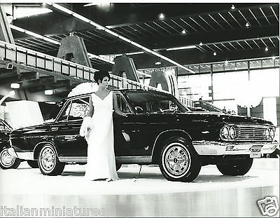Datsun Nissan President 1965 Original Motor Show With Glamour Girl Photograph