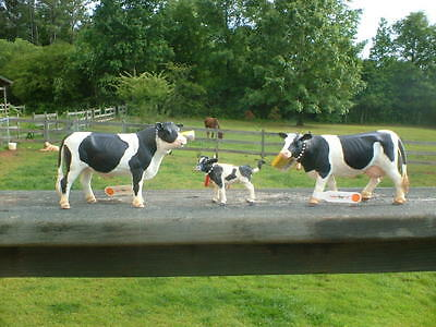 HOLSTEIN COW FAMILY by Safari Ltd; toy/replica/farm
