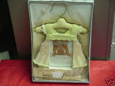 Pink Baby Outfit Picture Frame 3 1/2x5 Infant Child NEW