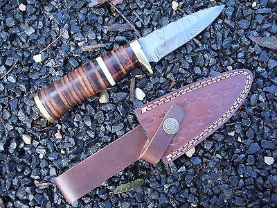 1x Hunting knife,damascus steel, timber handle , leather sheath