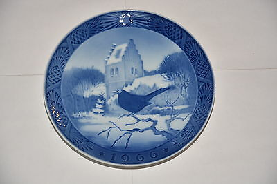 "Royal Copenhagen Collector Porcelain Plate 7"" - 1966 Blackbird Christmas Time"