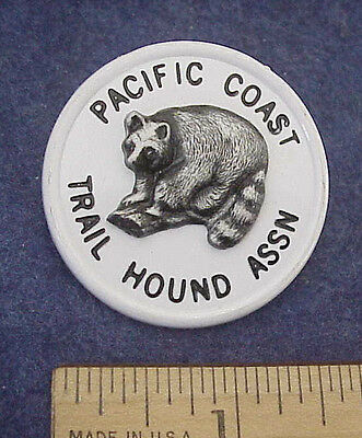 Vintage Pacific Coast Trail Hound Assoc. 3-D Raccoon Plastic Wildlife Member Pin