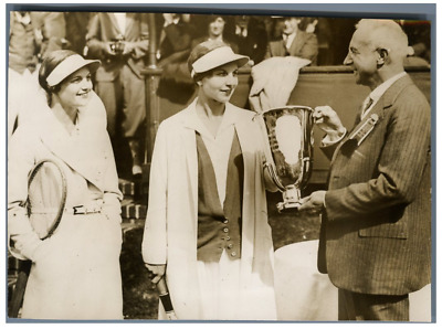 U.S.A., Tennis champion, Helen Wills Moddy  Vintage .  Tirage argentique  13
