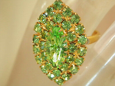 Large WOW Sparkly Green Rhinestone Adj Size Vintage 60's Cocktail Ring 337AP6