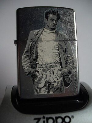JAMES DEAN WALKING ZIPPO LIGHTER STARS of HOLLYWOOD COLLECTABLE 2002 NIB SLEEVE