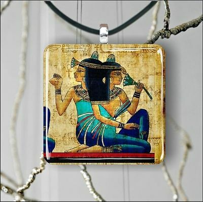 "EGYPTIAN PRINCESS MURAL ANTIQUE 1,3/8"" GLASS PENDANT NECKLACE -kgv8Z"