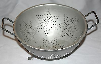 Mirro Large Aluminum Tri-Footed Colander 7 Star Pattern with Metal Handles