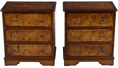 Pair of New Antique Style Walnut Nightstands Bedside Chests Tables Dressers