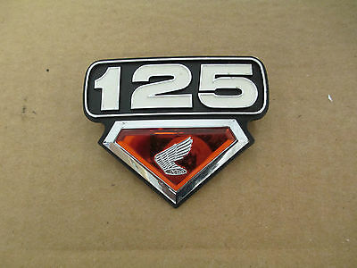 Nos Honda Cb125 Cl125 Cl125S 1973-74 Side Cover Panel Emblem 87125-359-700