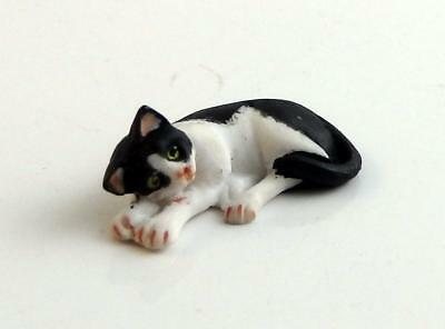 Dolls House Black & White Cat Lying Down 1:24 Scale Falcon Miniature Pet Animal