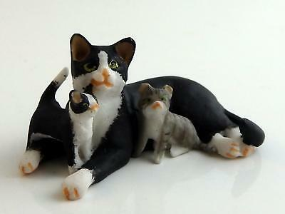 Dolls House Black & White Mother Cat with Her Kittens Scale Falcon Miniature Pet