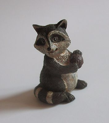 k Raccoon GREAT OUTDOORS forest animal figurine miniature diorama