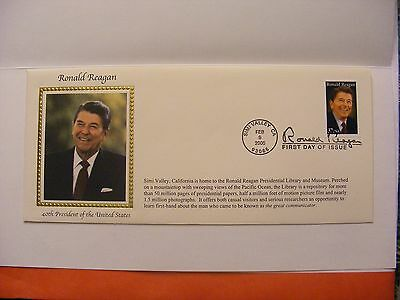 Ronald Reagan 40th President First Day Issue Commemorative Envelope / Stamp