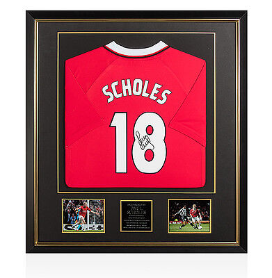 Framed Paul Scholes Back Signed Manchester United Shirt - 1999 Champions League