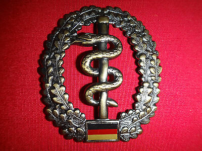 German Military MEDICAL CORPS Insignia Metal Beret Badge