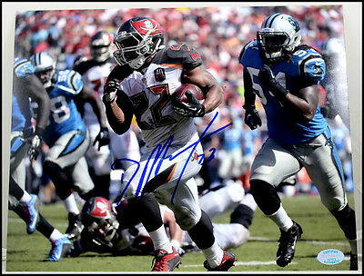 Doug Martin Autographed Signed 8X10 Photo Picture Buccaneers Football Bucs Coa