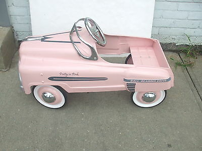 RETRO BRAND MARY KAY PRETTY IN PINK Cosmetics Pink Colored Kids Pedal Car NICE!
