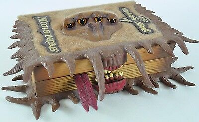 Harry Potter The Monsterbook of Monsters Figur Geheimfach TOMY Hagrid 02-E-MB