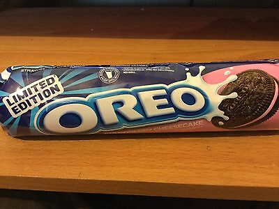 LIMITED EDITION 154g PACK OF OREO STRAWBERRY CHEESECAKE FLAVOUR BISCUITS/COOKIES