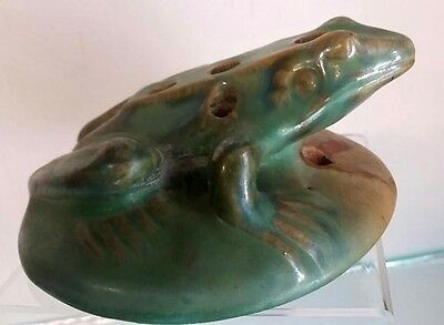 Beautiful Signed Art Pottery Fulper Flower Green Frog