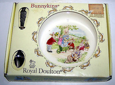 Bunnykins Royal Doulton Nursery Set c.1988 Baby plate and feeding spoon
