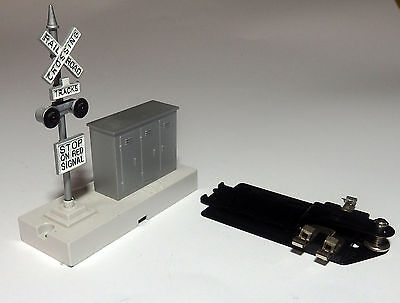 LIONEL 2940  CROSSING SIGNAL tested lights flash  O/O27  O scale On30 On3