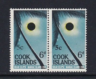 Cook Islands SG212 5c on 6d Variety (font changes) horiz pair - unmounted mint
