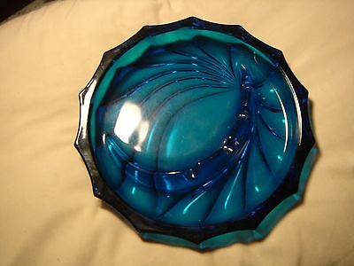 vintage ashtray dark teal blue glass swirl pattern... Excellent condition ROUND