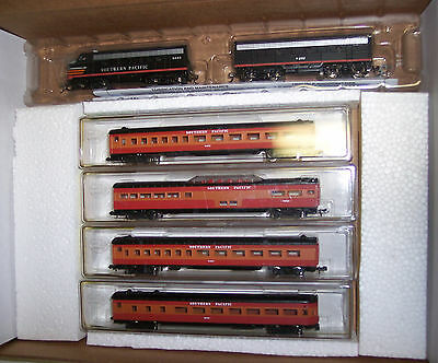N Scale F7-A & B Units Southern Pacific Train Set With 4 Pass. Cars  # Nnd-051