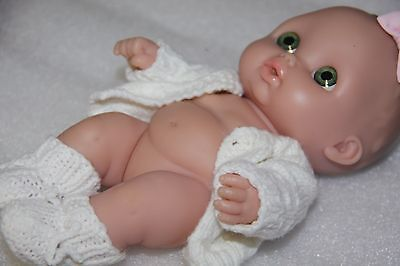 BERENGUER DOLL  BABY DOLL LIFE-LIKE smaller 23cm new clothes included with doll