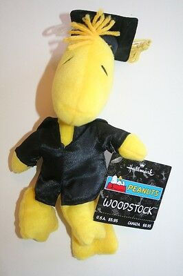 NWT Hallmark Peanuts Snoopy Woodstock Bird Plush Graduation Cap & Gown