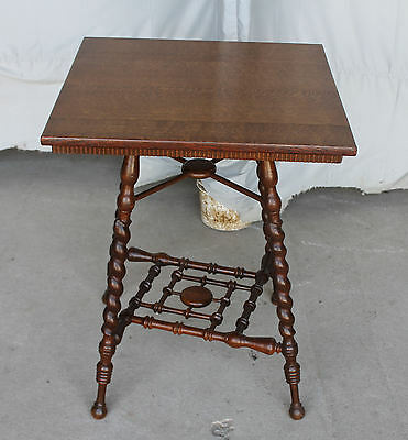 Antique Oak Lamp Table – spiral turned shaped legs