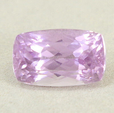 Véritable Kunzite avec 8,53 ct. + Certificat d'Authenticité Cushion Cut