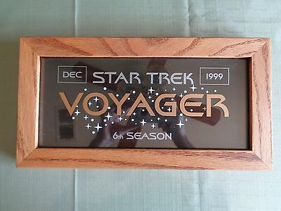 Star Trek Voyager Cast Crew Plaque 6th Season Mint Condition