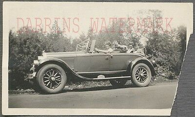 Vintage Car Photo Family in New 1926 Chrysler 70 Automobile 265515