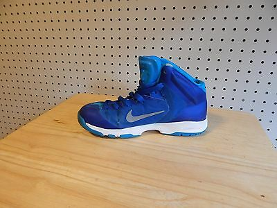 kids Nike Quickness Basketball Shoes size 4.5Y -  622759-400