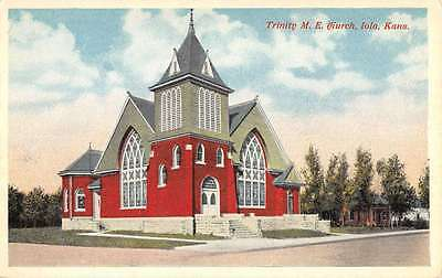 Iola Kansas Trinity ME Church Street View Antique Postcard K42865