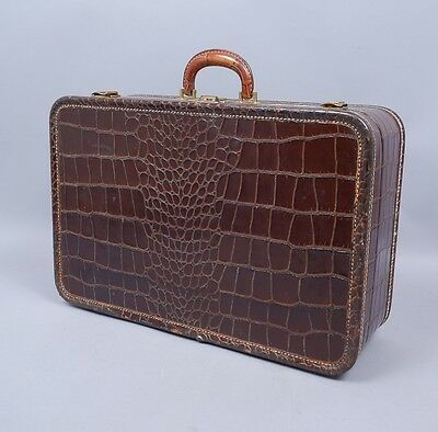 Vintage 1940s-50s Dresner Faux Alligator Leather Suitcase w PanAm Airlines Tag