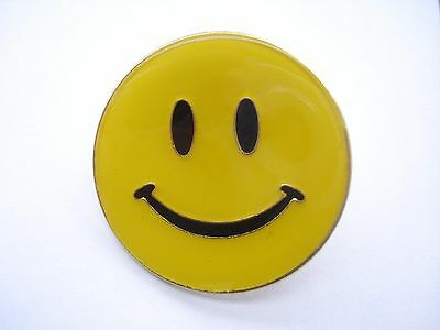 ACID HOUSE SMILEY FACE RAVE MUSIC RAP VINTAGE 1980s NEW RARE PIN BADGE SALE 99p