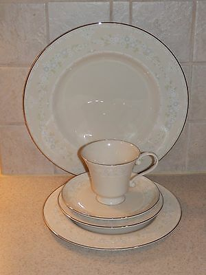 Pickard China Serenity 5 Piece Place Setting Excellent!