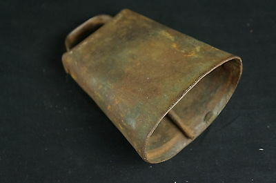 "Large primitive antique cow bell 6"" [Y7-W7-A8-E8]"