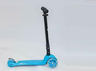 Maxi  Scooter Blue scooter With Flashing wheel 6 Years +