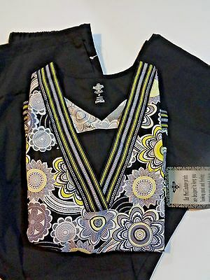 Cherokee  & Med Couture Scrub Set XS NWT