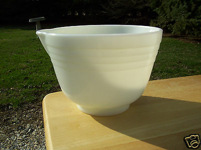 Small Vintage Ribbed Milk Glass Mixing Bowl with Pour Spout