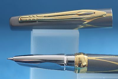 New Luxury Hero No. 3019 Fine Fountain Pen, Grey Lacquer with Gold Inlayed Trim