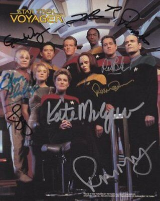 Star Trek Voyager Cast Signed By All