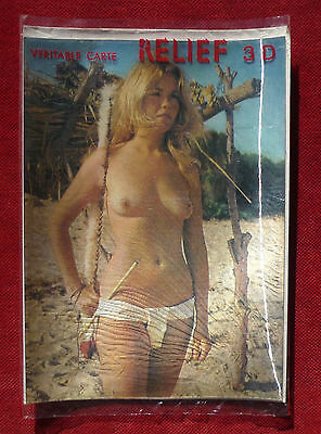Carte Relief 3 D :  Une  Pin Up Nu :   Plage Et Foret    !