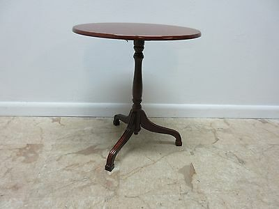 Bombay Company Cherry Tilt Top Oval Lamp End Table Pedestal Stand